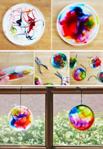 závěsná barevná dekorace 1