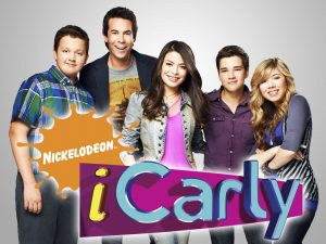 Noah Munck, Jerry Trainor, Miranda Cosgrove, Nathan Kress, and Jennette McCurdy in iCarly on Nickelodeon. Photo: Williams + Hirakawa/ Nickelodeon. ©2010 Viacom, International, Inc. All Rights Reserved